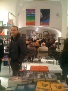 Attesa presentazione libro Apologia del piano B Properzi libreria Il Filo Roma