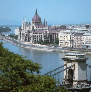 Budapest è la città dove si svolge buona parte di Apologia del piano B