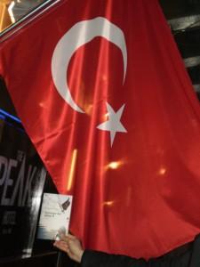 Apologia del piano B di Emanuele Properzi e la bandiera turca